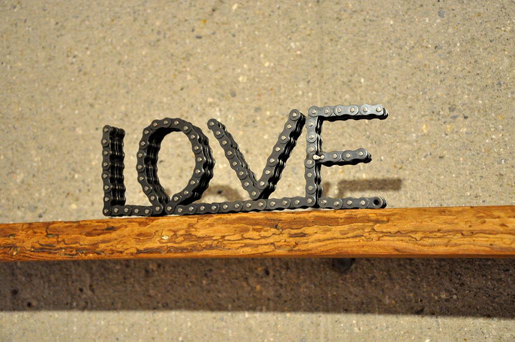 LOVE Kette Schriftzug Feinrost