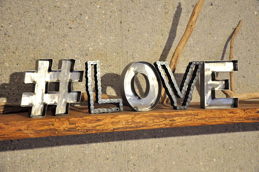Love Liebe Metallbuchstaben von Feinrost
