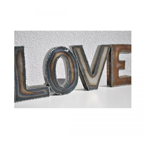 LOVE Schriftzug aus Stahlblech von Feinrost