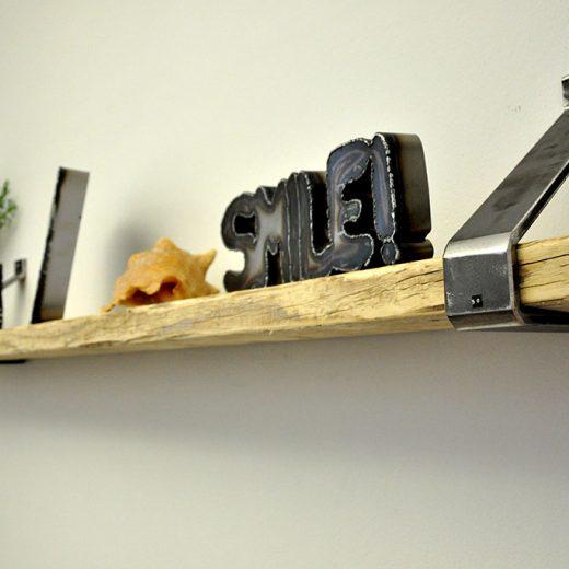 Flachstahl Regal Wandregal aus schwarzem Stahl
