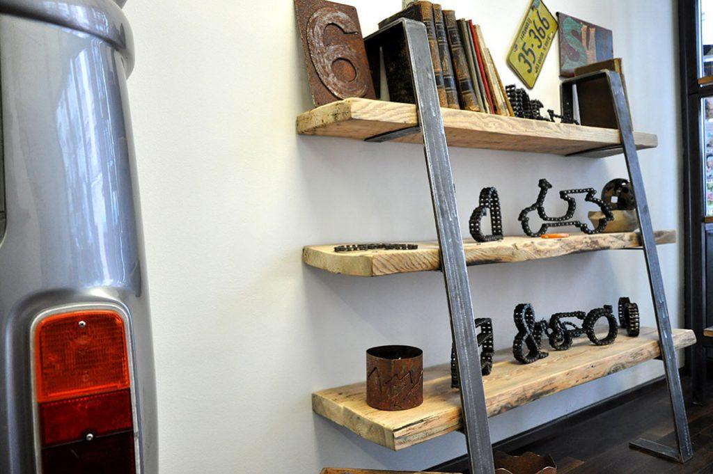 flachstahl regal schr g feinrost. Black Bedroom Furniture Sets. Home Design Ideas